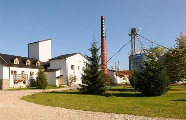This is a virtual tour of Poland's Chopin Vodka Distillery in Krzesk, Poland, and a description of how Chopin potato vodka is made.