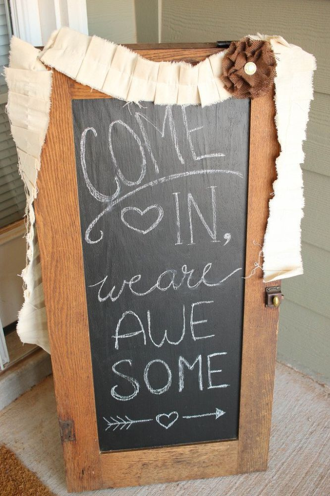 We are so copying this to welcome guests this season!