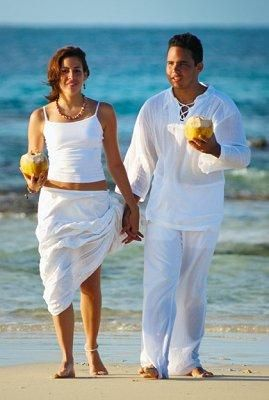 Light Linens For A Very Casual Beach Wedding Couple May Opt Loose Flowing Linen Clothes Instead Of Gowns And Suits In This Case Cotton Pants