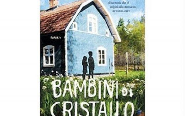 Una casa misteriosa in Svezia nel romanzo Bambini di cristallo Bambini di cristallo è un mistery della scrittrice svedese Kristina Ohlsson. La 12enne Billie e sua madre si trasferiscono in una vecchia casa di legno nei pressi di una località in Svezia. Qui succe #libri