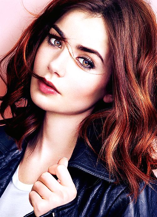 Lily Collins: Gorgeous and natural Make Up ans a beautiful Hair color