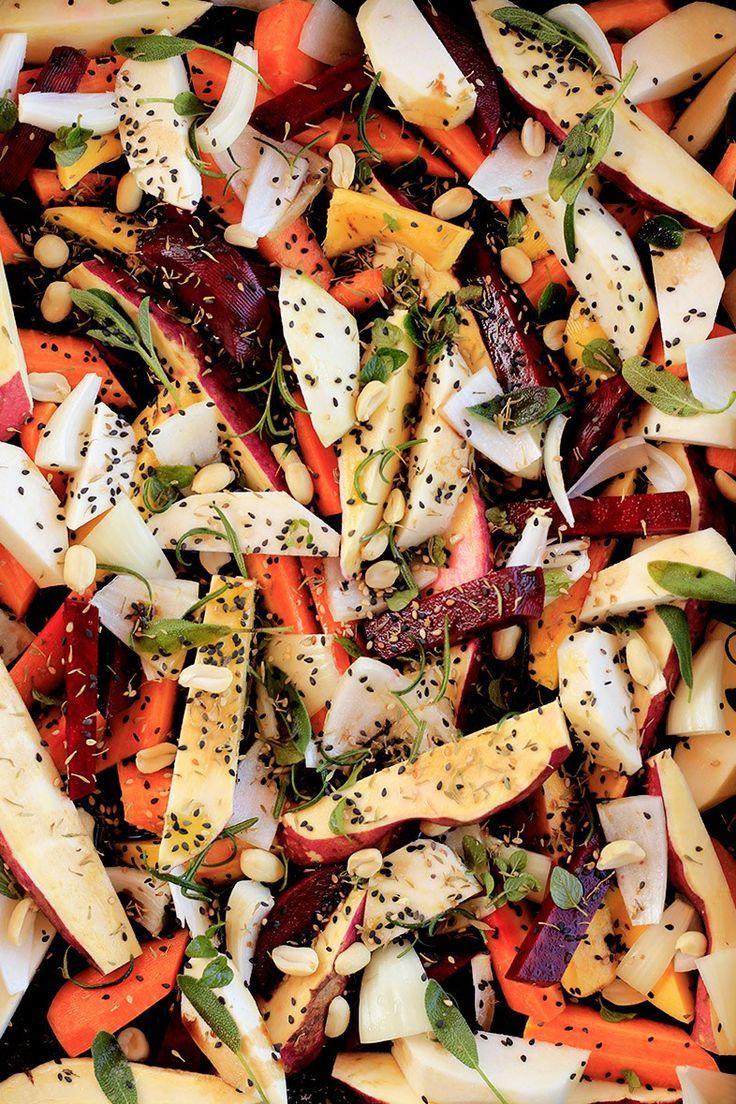 Wrap de repolho com vegetais asiáticos + creme de alho | Receita | herbi-voraz.com #receita #vegano #vegetaisassados #roastedveggies #vegan