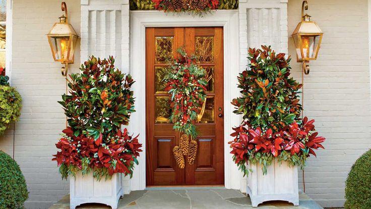 Μοναδικοί τρόποι για να διακοσμήσετε την μπροστινή πόρτα σας για τις γιορτές