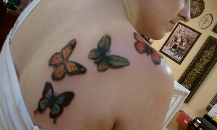 My butterfly tattoo. Each butterfly is a birthstone for my family members.: Birthstones Color, Monarch Butterflies Tattoo, Families Tattoo, Cute Ideas, Neat Ideas, Cool Ideas, Families Member, Butterfly Tattoos, Tattoo On Shoulder
