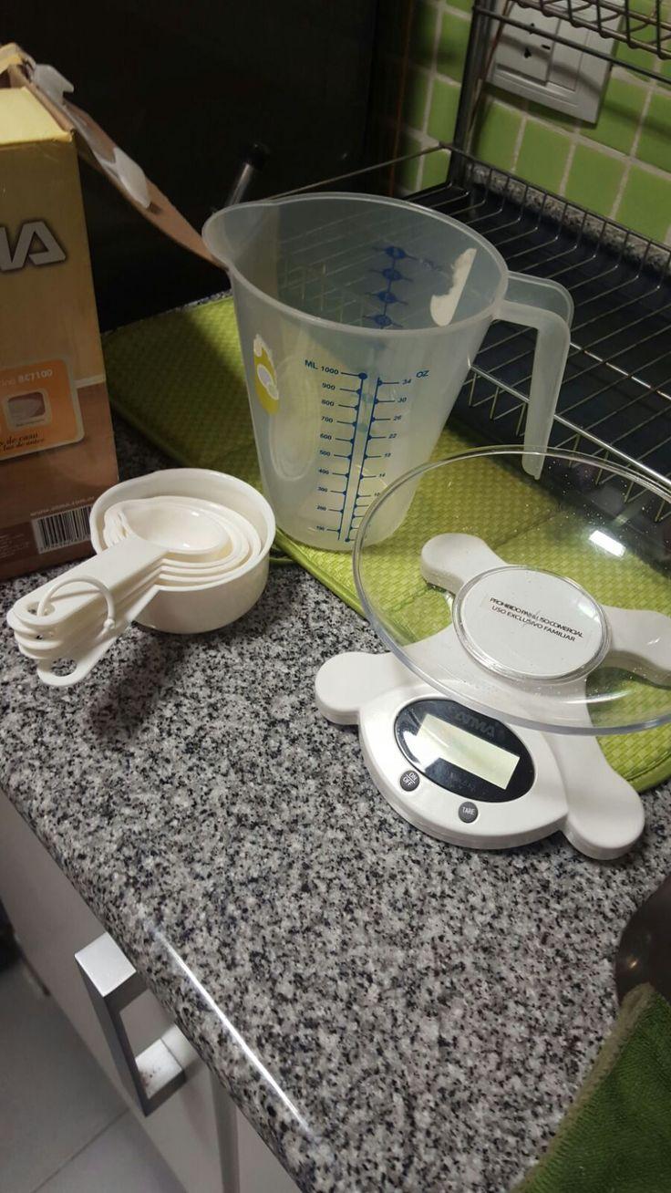 ¡Los infaltables! Para quienes no le quieren errar a ninguna caloría una balanza y una taza medidora son claves a la hora de emprolijarte al 100% con tu programa de alimentación! PD: no son totalmente necesarias pero...