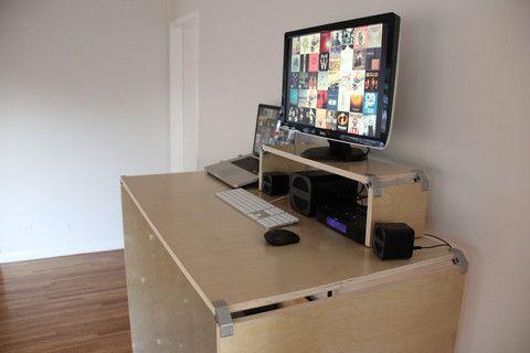 DIY mesa de madeira compensada em pé com o suporte de clipe PLY90 contraplacado