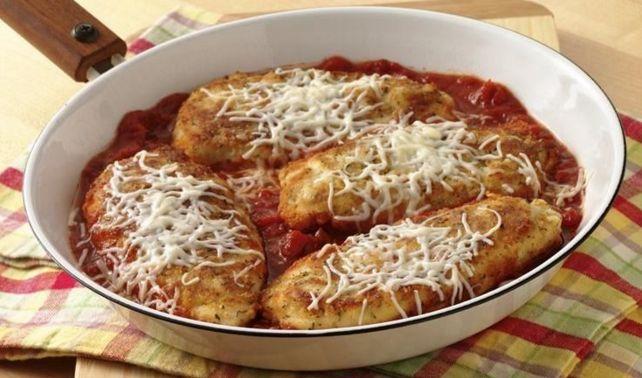 Σνίτσελ+κοτόπουλο+με+σάλτσα+ντομάτας+και+τυριά