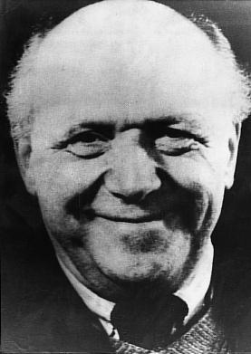 """Otto Neurath (1882-1945) - Gemeinsam mit dem Grafiker Gerd Arntz erwickelte er, mithilfe von Piktogrammen, die sogenannte Wiener Methode der Bildstatistik, die sich als """"Isotype-Technik"""" (International System of Typographic Picture Education) besonders in den USA und Großbritannien durchsetzte - allgemein verständliche, präzise Darstellungen komplexer Sachverhalte, z.B. von Daten und Statistiken."""