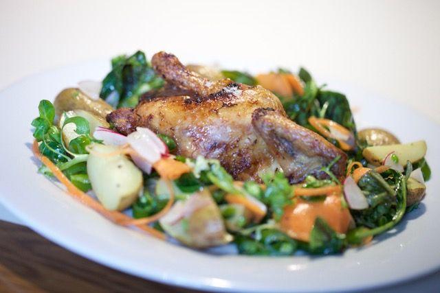 Velikonoční pokrmy z mladých mas - Jarní kuřátko s kopřivovou nádivkou