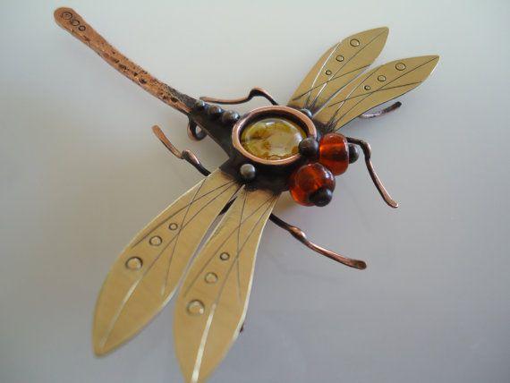 Ehi, ho trovato questa fantastica inserzione di Etsy su https://www.etsy.com/it/listing/275434792/libellula-spilla-steampunk-grande-rame
