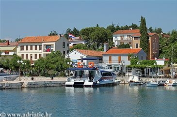 Malinska - Island Krk, Croatia - Private accommodation units - Adriatic.hr