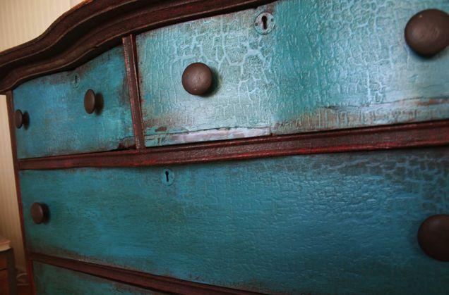 Furniture Makeover - A Vintage Dresser | DIY's | Pinterest