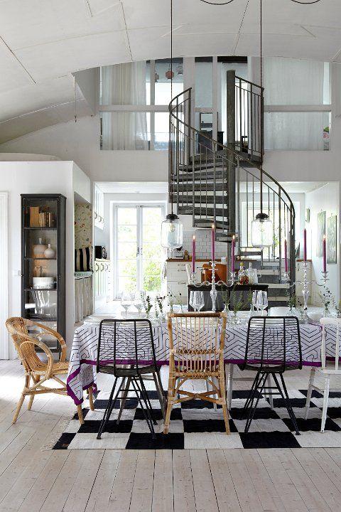 Nos encanta la combinación de sillas #Affari #sillas #estilonordico