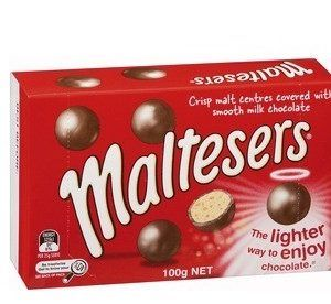 An outer of 12 Maltesers Box 100g.