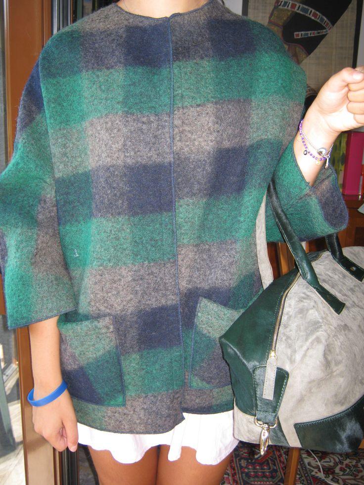 giacca in lana cotta scozzese borsa a bauletto in pelle