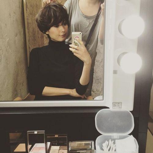 田丸麻紀さんのファッションポイント④ ショートヘアの毎日のスタイリング