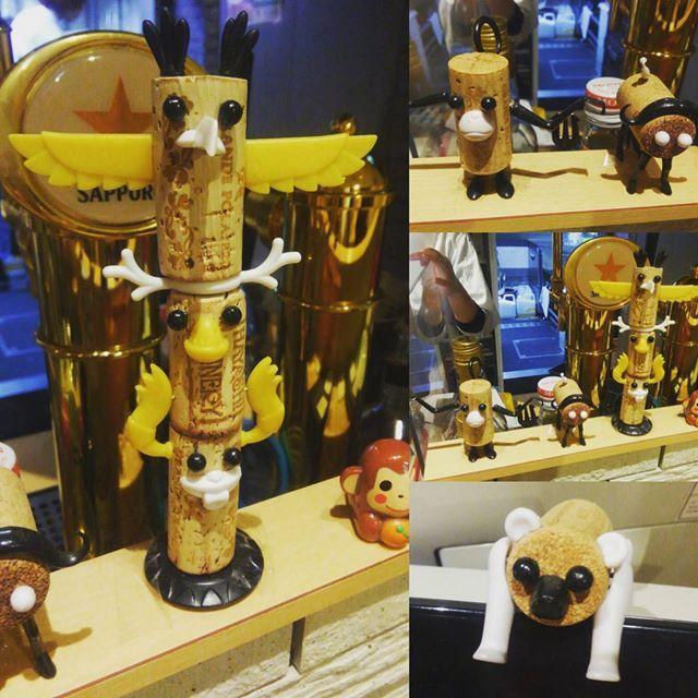*(2016.1.17) お会計のところに とってもとっても可愛いコルクアートを発見…!😍😍💕 *  #国産ワインキッチンtikatika   #東京駅  #tokyostation   #ご飯が美味しい  #アヒージョおすすめ   #合鴨ロースもおすすめ  #コルクアート