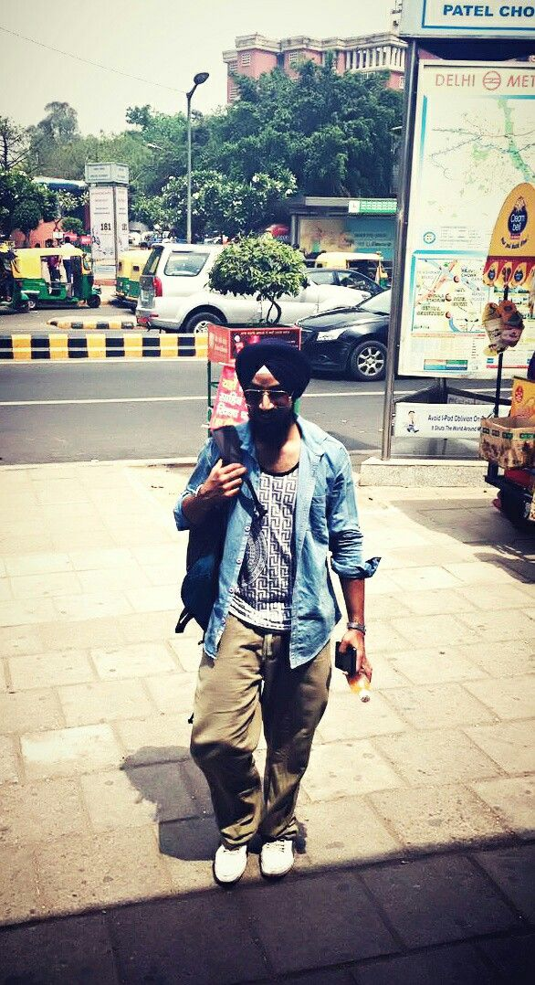 Dr. Harinder Singh #sikh #turban #style #fashion #rayban