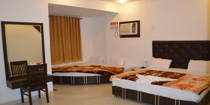 Hotel Hotel Axis Inn is fully air conditioned luxurious hotel blends the traditional Indian hospitality and Indian Modernism.All rooms are fully furnished, spacious, fresh and contemporary in design and offer the temporary resident a comfortable and stylish place to call home.