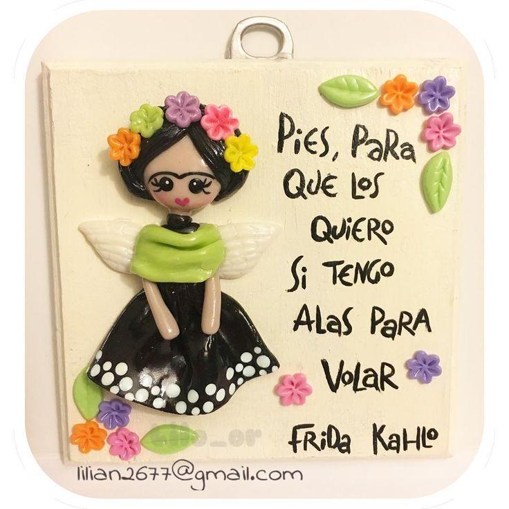 Cuadrito inspirado en Frida Kahlo. Figura hecha en porcelana fria,sobre madera…