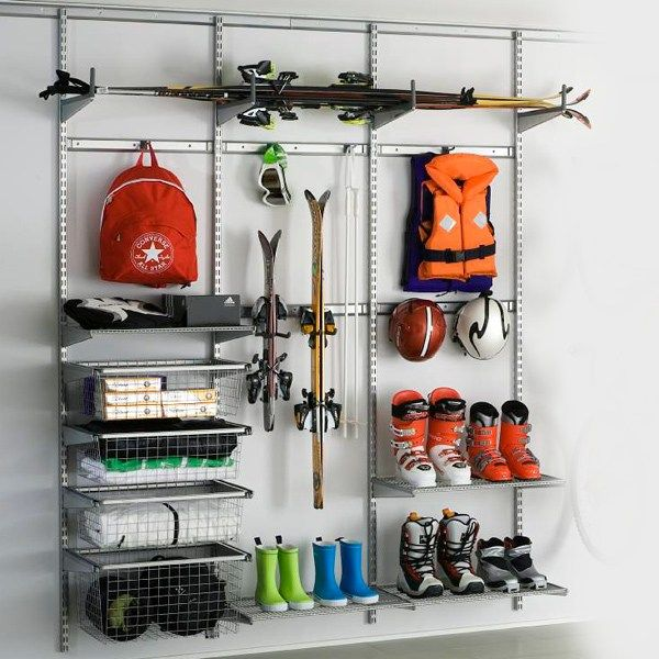 http://www.bygghemma.se/inomhus/inredning/garageforvaring/paketlosningar/forvaringssystem-elfa-utility-sport-small/p-187879