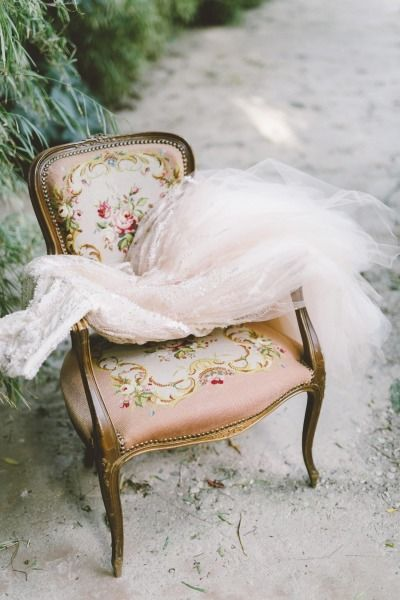 Vintage chair: http://www.stylemepretty.com/little-black-book-blog/2015/02/12/garden-fairytale-valentine-wedding-inspiration/ | Photography: Anna Delores - http://www.annadelores.com/