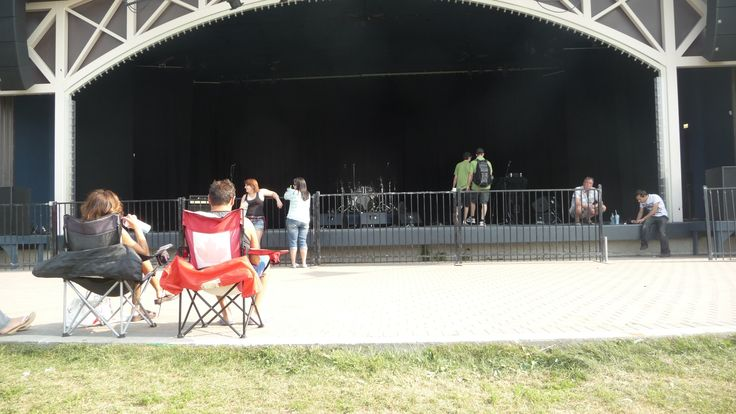 Lyric Stage at Assiboine Park getting ready for StreetHeart with Kenny Shields 830pm