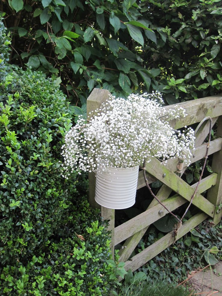 make the approach to your front door even more lovely  stylebeanie.blogspot.com