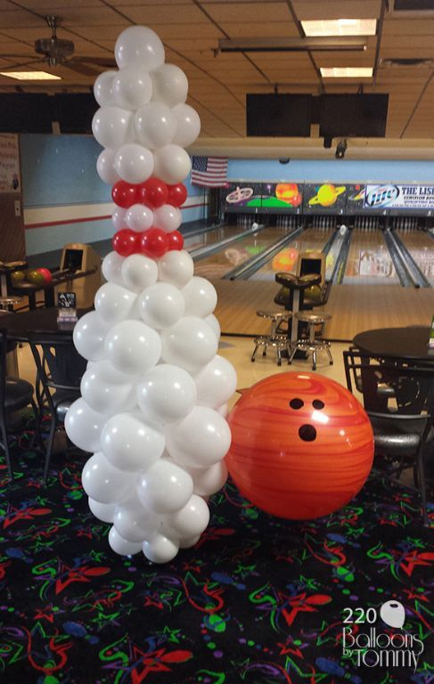 Balloon bowling pin and bowling ball ready to wow the crowd!  | Balloons by Tommy | #balloonsbytommy