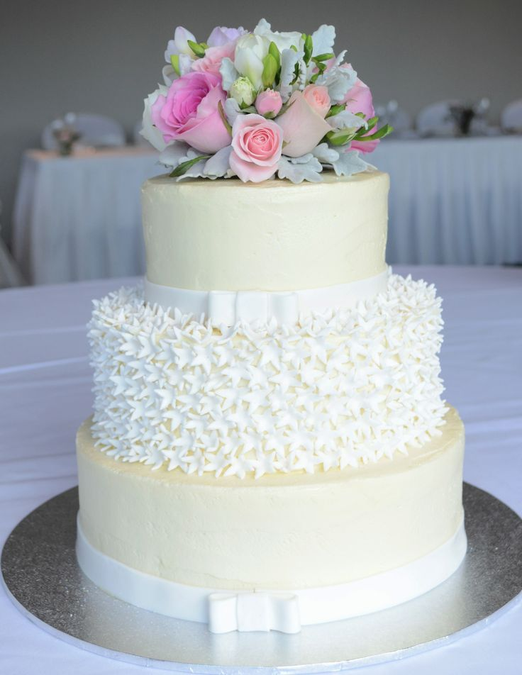 Wedding Cake, cream cheese frosting details