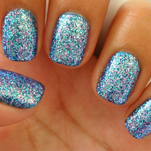 Top 10 Nail Design Ideas.... Glitter....We are talking to all Barbie girls here. Glitter here, glitter there. Even on your nails. This is really cool and we suggest you do it for New Year's or any other holiday. Christmas maybe?