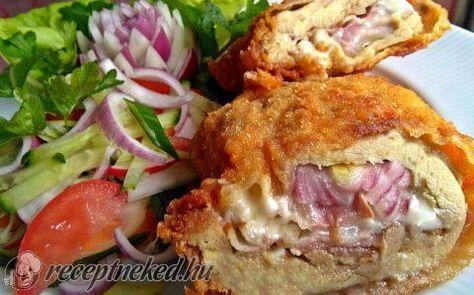Sajttal, baconnal, lila hagymával töltött csirkecomb filé