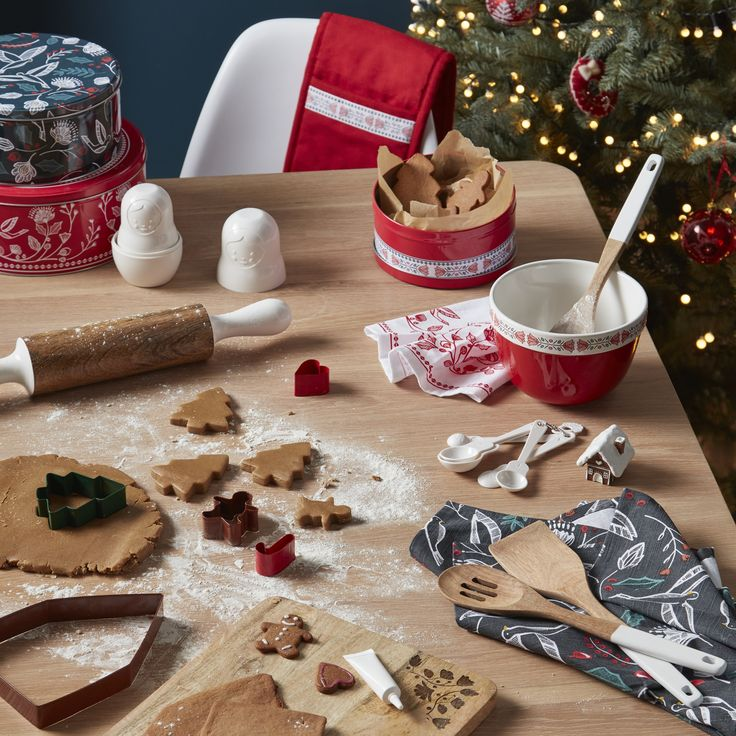 Whether it's a showstopping cake, a savoury treat or something you've never tried before, we have everything you need to bake delicious festive treats. Create fun Christmas tree-shaped cookies and biscuits with the john Lewis stainless steel cutters and don't forget snowy icing and sprinkles to decorate.