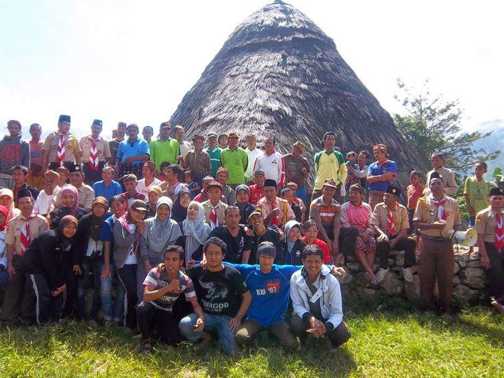 Kebersamaan dengan penduduk kampung Wae Rebo 2