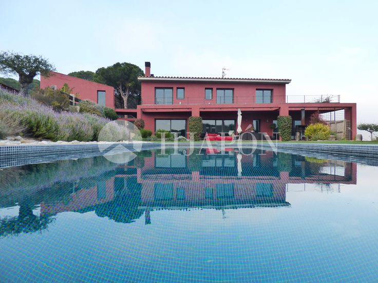 Tuscan-styled property for sale in Sant Andreu de Llavaneras
