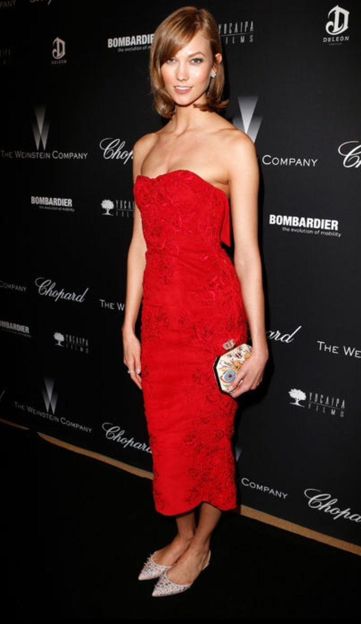 Vestido de festa sem salto, pode? Claro que sim! Se inspire nos looks de celebridades como Karlie Kloss que não abriram mão do conforto no red carpet.