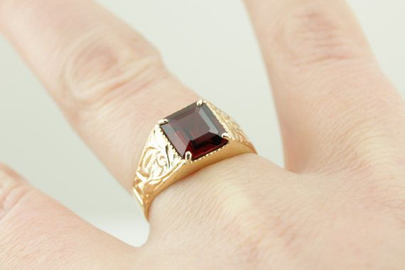 Superb Quality 2.89 Ct Red Garnet Solid 14K Yellow Gold Men Engagement Ring #uniquegemstone17