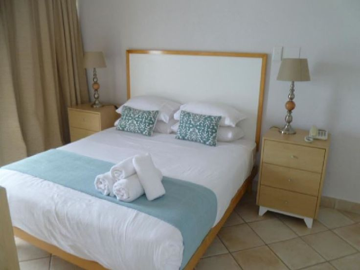 The Bermudas 11th Floor - The Bermudas 11th Floor is situated in the affluent holiday town of Umhlanga Rocks, along the stunning Umhlanga Coastline.The self-catering apartment, which accommodates up to six guests, features an open-plan ... #weekendgetaways #durban #dolphincoast #southafrica