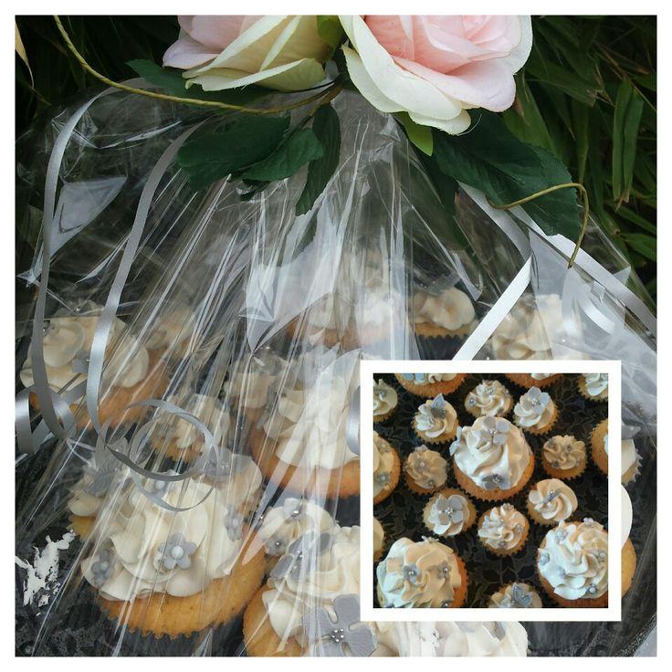 Cupcakes voor een collega die zich gaat verloven.