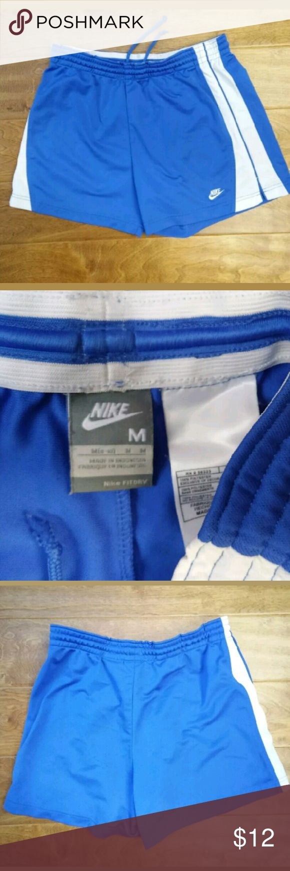 """Nike Fit Dry Running Tennis Shorts Skirt Medium Approximate Measurementswaist: 15""""inseam: 2""""rise: 12""""  Order before 9PM and we ship your shorts SAME DAY Nike Shorts Skorts"""