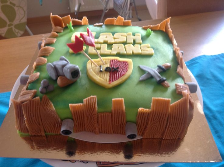 Clash of clans cake, side view.