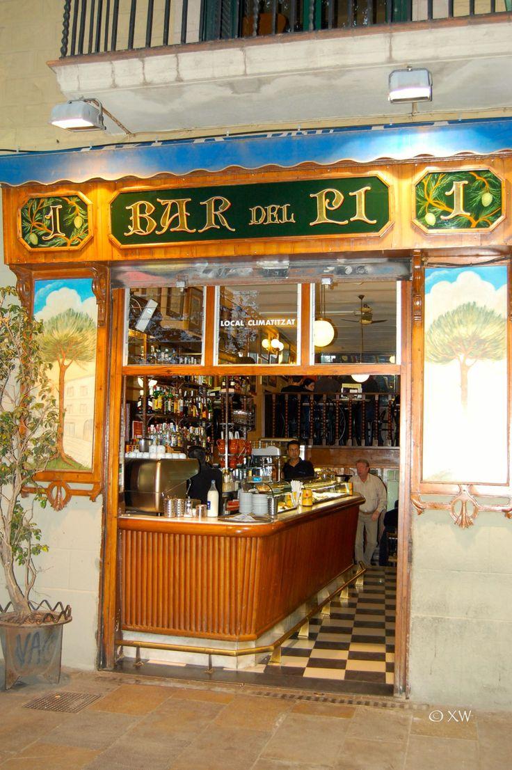 Bar del Pi, Plaça del Pi, Barcelona ∞ Catalunya very nice tapas bar starts at 17.00