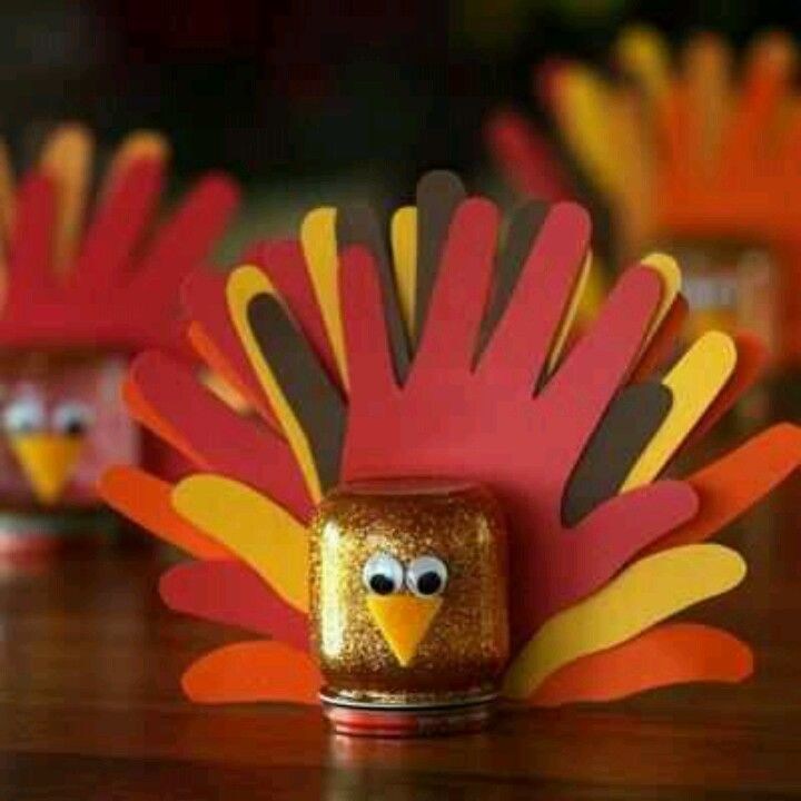Recycle reuse repurpose an Earth's Best baby food jar for Thanksgiving crafts. Hand Turkey 2.0