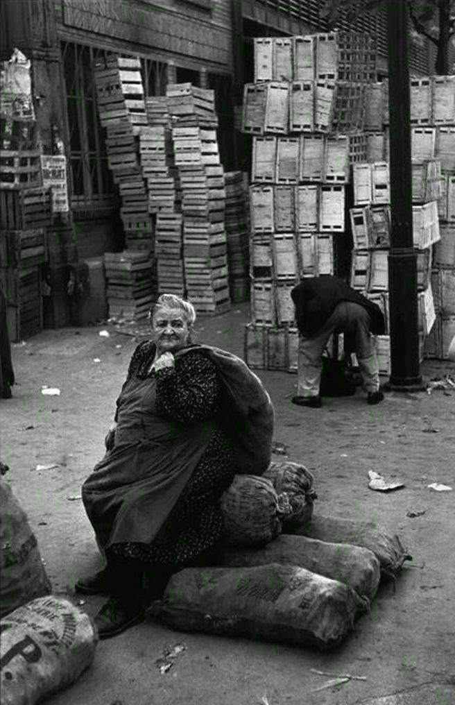Henri Cartier-Bresson - Les Halles, Paris, 1952.