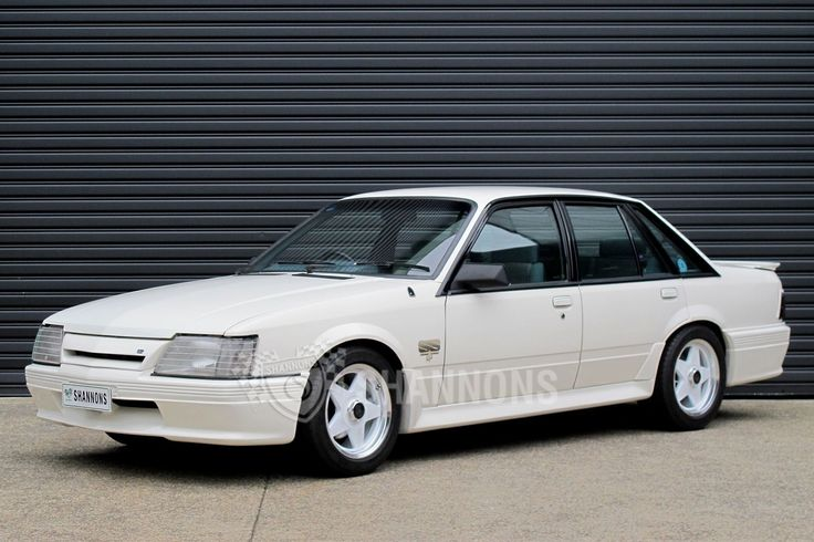 1984-holden-vk-commodore-ss-group-three-sedan-build-no1354-peter-brocks-personal-car.jpg (1600×1066)