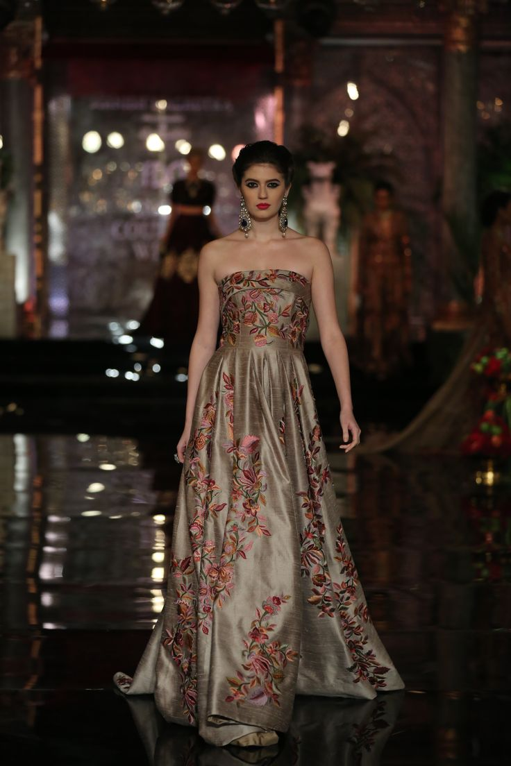 THE PERSIAN STORY BY MANISH MALHOTRA AT #ICW2016