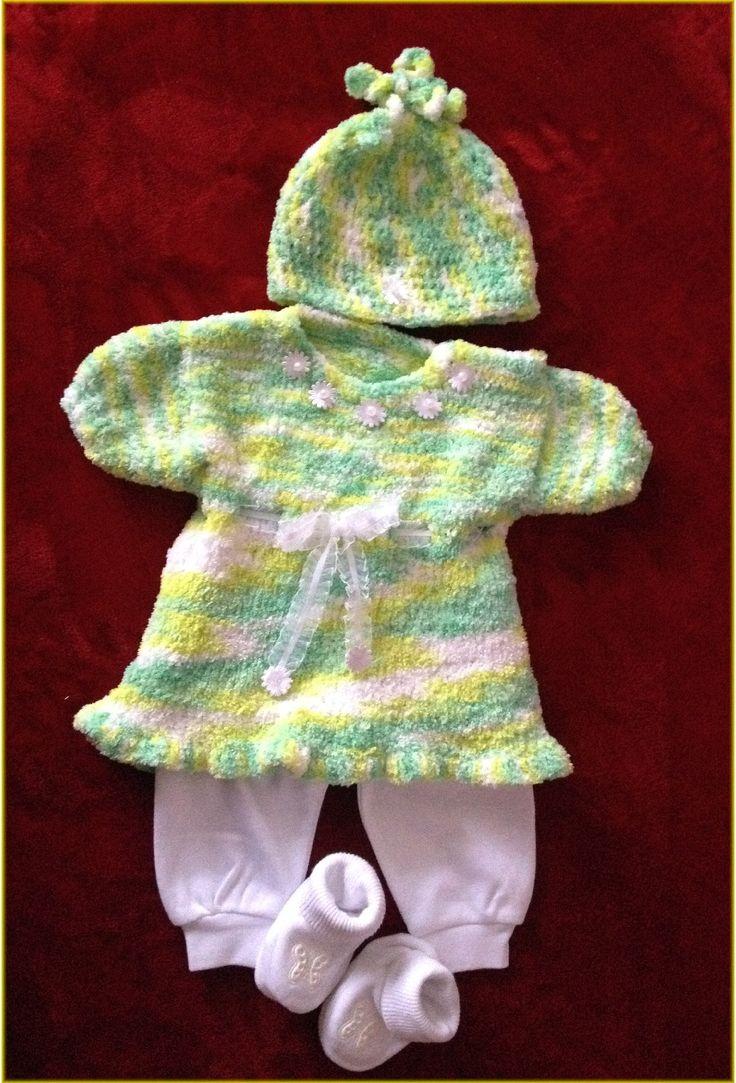Háčkované šatičky pro miminko.