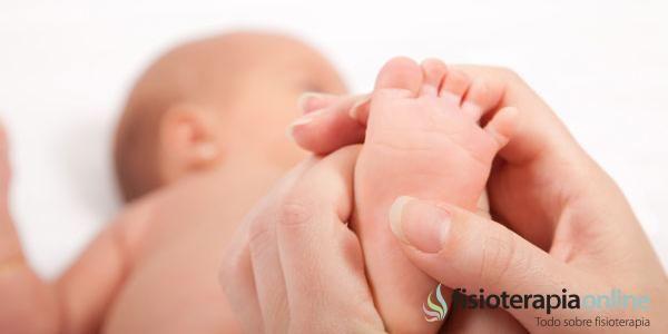 Ejercicios del tobillo, fortalecimiento de los músculos implicados, masajes en la plata del pie y la marcha sobre diversos planos y texturas, resultan siendo pieza clave para su tratamiento.