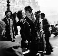 Il Bacio dell'Hotel de Ville, 1950...Robert Doisneau