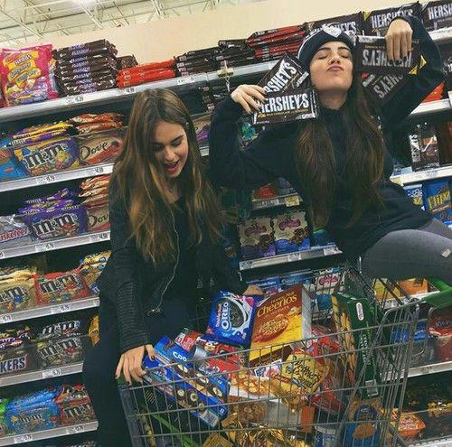 Imagen de friends, food, and friendship